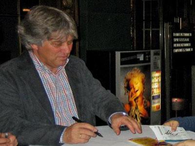 Rolf Zuckowski verabschiedet sich von der Bühne